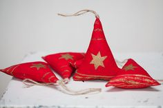 Set of 5 Handmade Red Christmas decorations. by MeadowDewDesigns