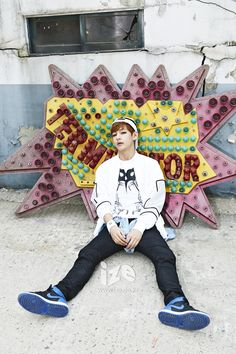 V 뷔 from Bangtan Boys 방탄소년단 - Skool Luv Affair