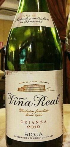 Viña Real crianza 2012 - DOCa Rioja - Bodegas CVNE (Haro) - Vino tinto con crianza, envejecido 12 meses en barricas de roble fránces y americano - 90% Tempranillo y 10% Mazuela, Graciano y Garnacha - 13,5% - 92 Parker / 93 Peñin