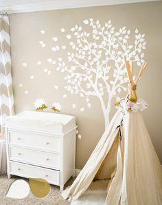 WHITE+NURSERY+TREE+Wandtattoos+REMOVABLE+TREE+von+Amazingdecals+auf+DaWanda.com