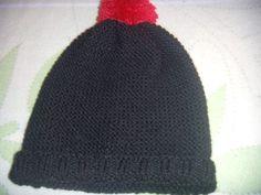 chapeau noir pompon rouge creation isafleur