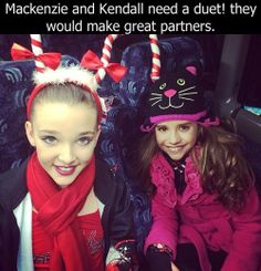 Kendall and Kenzie in their crazy hats! Dance Moms Kendall, Dance Moms Girls, Kendall K Vertes, Dance Moms Confessions, Mack Z, Dance Moms Facts, Dance Mums, Show Dance, Crazy Hats