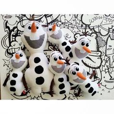 Shop for disney on Etsy, the place to express your creativity through the buying and selling of handmade and vintage goods. Olaf Snowman, Build A Snowman, Snowman Party, Olaf Birthday Party, Frozen Birthday, Olaf Frozen, Frozen In Summer, White Reindeer, Party Giveaways