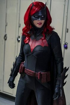 Photos - Batwoman - Season 1 - Promotional Episode Photos - Episode - How Queer Everything is Today - Batwoman, Batgirl, Arrow E Flash, Supergirl, Series Canceladas, Series Da Disney, Family Betrayal, Maggie Sawyer, Batman Detective Comics
