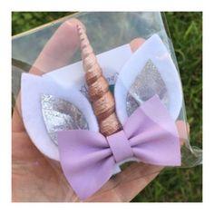 These cuties are made with eco friendly felt, a glitzy leather ear inlay, purple glittery horn & primrose pink bow! Felt Headband, Unicorn Headband, Headbands, Diy Hair Bows, Bow Hair Clips, Unicorn Ears, Disney Bows, Craft Accessories, Cute Bows