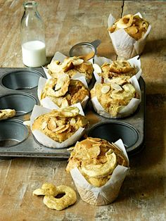 Apple, Extra-Virgin Olive Oil and Ricotta Muffins Sweet Recipes, Cake Recipes, Almond Muffins, Moist Cakes, Family Meals, Family Recipes, Ricotta, I Foods, Delicious Desserts