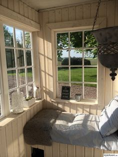 Porch And Balcony, Home Porch, Closed In Porch, Small Cottages, House Entrance, Home Decor Inspiration, Future House, New Homes, Interior Decorating