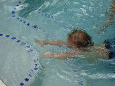 Steps For Teaching a Toddler To Swim - someone must've heard my prayers. Or been in our swimming lesson class.. -- they do baby swimming lessons, designed to help familiarise children with water which my kids will be going to