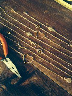 Net klaar! Voorraad weer op orde!  #korte #gouden #ketting #verguld #hartje #takje #sieraden #fashion