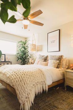 minimal bedroom Vintage Bedroom Decorations You Will Inspired Minimal Bedroom Design, Minimalist Bedroom, Minimalist Chic, Room Interior, Interior Design Living Room, Interior Modern, Interior Livingroom, Vintage Bedroom Decor, Bedroom Decor Boho