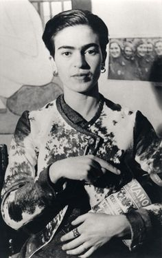 Portrait of Frida Kahlo , 1935 by: Lucienne Bloch
