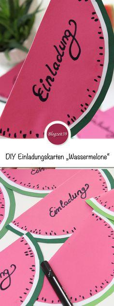 So 08/15 kann jeder! Richtig besonders wird ein Geburtstagsfest bei Kindern erst durch selbstgemachte Deko oder eigens gebastelte Einladungskarten. Ich zeige Euch einen zauberhaften Vorschlag für kreative Gastgeber und garantiert begeisterte Gäste. In diesem Jahre habe ich Einladungskarten als Wassermelonen gebastelt #DIY #Einladungskarten #Wassermelone #Geburtstag #basteln #Kinder
