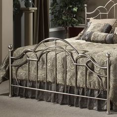 Bed Headboard Design, Headboards For Beds, King Headboard, Iron Furniture, Furniture Design, Steel Bed Design, Queen Metal Bed, Built In Wall Units, Wrought Iron Beds