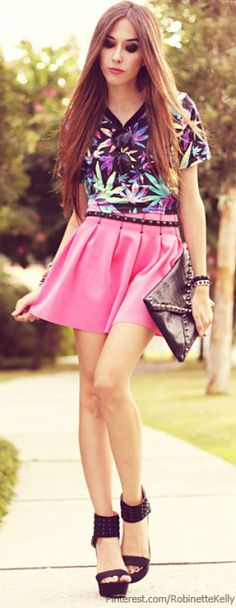 Fashion Coolture Street Style | skirt: Living Royal, top: Romwe, clutch: Romwe, heels: iclothing