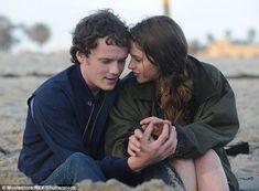Anton Yelchin and Felicity Jones in 'Like Crazy'