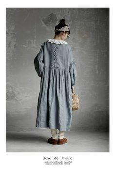Beautiful linen dress and collar Cute Fashion, Boho Fashion, Girl Fashion, Fashion Looks, Vintage Style Outfits, Boho Outfits, Fashion Outfits, Linen Dresses, Modest Dresses