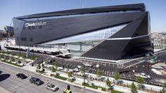 Vikings, Wells Fargo reach resolution on signs placed near stadium