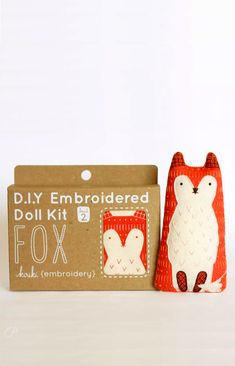 are you kidding me!!!   Fox adorable D.I.Y  embroidery kits from Kirikí #packaging #fox #craft