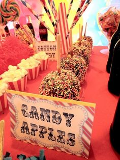 Candy apples at a Circus Party #circus #candyapples