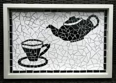 dienblad in mozaiek - Google zoeken Mosaic Tray, Mosaic Tile Art, Mirror Mosaic, Mosaic Projects, Diy Projects, Paving Stones, Stained Glass, Diy And Crafts, Kids Rugs
