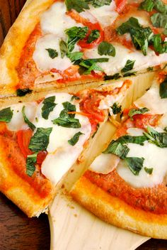 Pizza Margherita - must learn to make my own pizzas