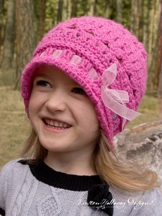 d523d5c3c49 Free crochet pattern  Eden Cloche in size 4-8 years old by Kirsten Holloway