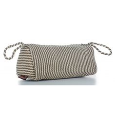 Handmade cosmetic and travel bags supporting women in need | To the Market