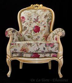 Sillón Colonial Reina Ana Patinado - dorado a la hoja en la parte del tallado!