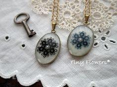 Tatting Necklace, Tatting Jewelry, Pendant Necklace, Needle Tatting, Tatting Lace, Tatting Patterns, Tiny Flowers, Resin Crafts, Needlework