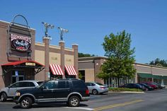 The Upscale Furniture Store Will Occupy The Four Open Spaces Between Hobby  Lobby And Baumhoweru0027s In
