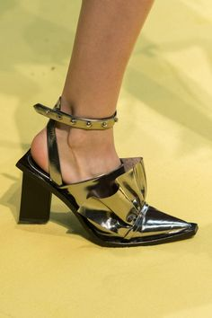 51 of Our Favorite Shoes From the Spring 2017 Runways - Fashionista