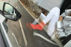 Autfit k Volkswagen T-Roc Vw T, Volkswagen, Starbucks, Knee Boots, Lifestyle, Shoes, Fashion, Moda, Zapatos