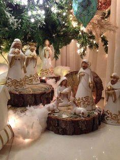 Diy Christmas Fireplace, Christmas Manger, Christmas Blocks, Christmas Nativity Scene, Christmas Tree Design, Christmas Bedroom, Magical Christmas, Christmas Villages, Beautiful Christmas