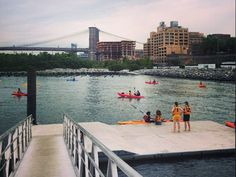 Free walk-up kayaking in Brooklyn Bridge Park between Piers 1 and 2 every Saturday (from 10:00AM to 3:00PM) and Thursday (from 5:30PM to 6:45PM), from the first weekend in June through the end of August.