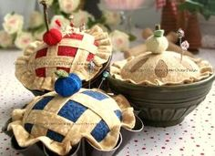 Chitter Chatter Designs Pincushions and Purses. This website has the best patterns for quilts & other things to sew!