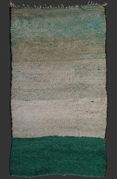 Beni Mguild carpet, western Middle Atlas, Morocco, ca. 1960/70, ca. 260 x 150 cm (8' 8'' x 5')