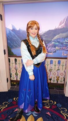 Meet Anna and Elsa at the Royal Summerhus in Epcot (56)