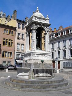 Place Saint-Jean - Lyon - France