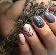 Black musical notes dispersed on all the pink base coated nails is another way to add the musical design on your hands. For a look that is minimal and unique go for musical note design one nail. This look will come out better on toenails as they are broad and have more space for experimenting … Continue reading + 100 Gel polish nails photos 2018 part II →