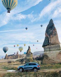 Biz yine yollardayız. Uçmaya geldik :)) #SkodaKodiaq #SkodaTürkiye #StoryOfTurkey #Cappadocia #doğa #manzara #fotoğraf #natural #dağlar #ilham #ekolojik doğa fotoğrafları
