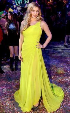 Fergie in Oliver Tolentino. Dick Clark's New Year's Rockin' Eve 2012/2013.