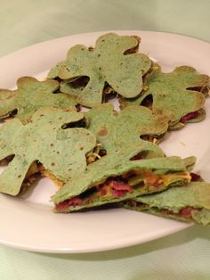 Shamrock quesadillas at a St. Patrick's Day Party (We LOVE quesadillas at our house! Finally, a St. Patty Day treat that's not full of sugar or dye! Holiday Treats, Holiday Parties, Holiday Recipes, Irish Recipes, Mexican Food Recipes, St Patricks Day Food, Saint Patricks, Tacos, Kids Meals