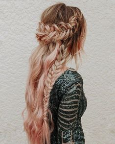 Chic Fishtail Braid Hairstyles To Swoon Over fishtail crown side braid #beautyhairstyles #fishtailbraid