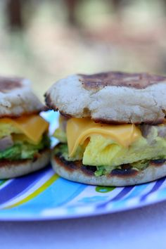 Camping Breakfast Sandwiches Recipe : a fun, delicious and filling recipe to make on your camping stove in the great outdoors. This recipe will keep you full for a day of hiking or enjoying the outdoors! @thomasbreads Camping recipes are great to have around!