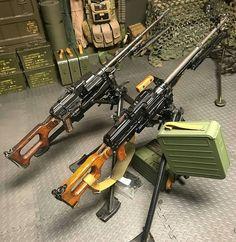 3,024 отметок «Нравится», 10 комментариев — Guns Fanatics™ (@guns_fanatics_) в Instagram: «@m60_machinegun - Two of our PKM kits mocked up. Romanian on the left (1970s manufacture date) and…»