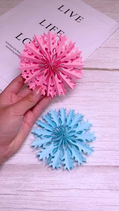 Paper Flowers Craft, Paper Crafts Origami, Diy Origami, Origami Ideas, Diy Arts And Crafts, Crafts To Make, Fun Crafts, Christmas Paper, Christmas Crafts
