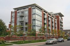 """Port Street Luxurious 2 Level Condo """"By the Lake"""" in Port Credit - April 2013"""