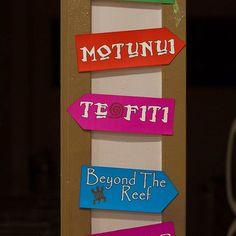 Moana Birthday Party Theme, Moana Theme, Birthday Signs, Moana Party, Twin Birthday, Luau Party, 4th Birthday Parties, Birthday Ideas, Moana Centerpieces