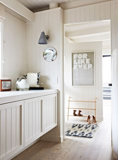 Pop in to admire the beautiful Scandinavian inspired Melbourne home of stylist Simone Haag.