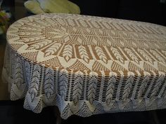 Lovely table cloth Crochet Tablecloth Pattern, Crochet Doily Patterns, Crochet Mandala, Crochet Diagram, Thread Crochet, Knit Or Crochet, Filet Crochet, Baby Knitting Patterns, Crochet Motif